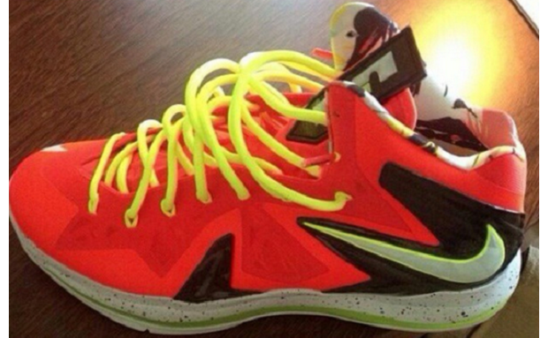 #FirstLook | NIKE LEBRON X ELITE INFRARED/VOLT